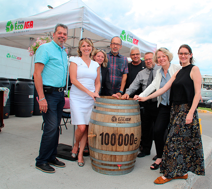 The 100,000th ecological item distributed in Chicoutimi!