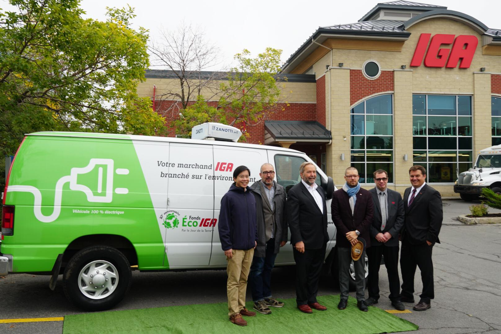 The First 100% Electric Refrigerated Home Delivery Van is at IGA Louise Ménard in Nun's Island!