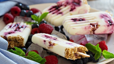 Yogurt-granola ice pops
