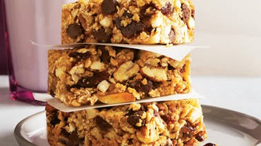 Cranberry and chocolate granola bars