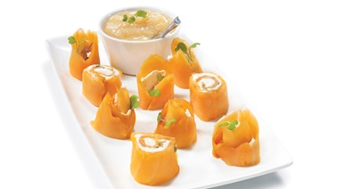 Smoked salmon bites with pear purée