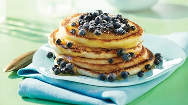 Classic pancakes with blueberries