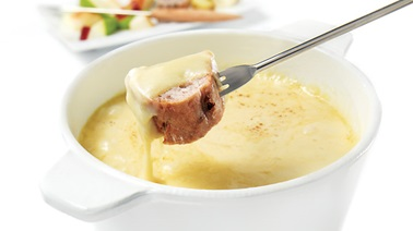 Three-Quebec-cheeses fondue