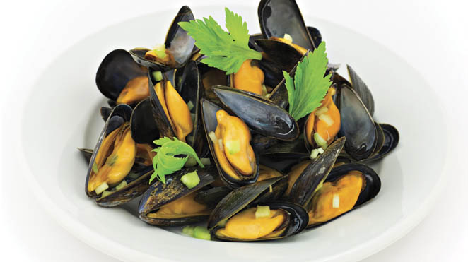 moules au vin blanc recettes iga fruits de mer cr me recette rapide. Black Bedroom Furniture Sets. Home Design Ideas