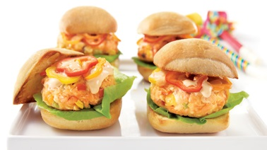 Fresh salmon mini-burgers