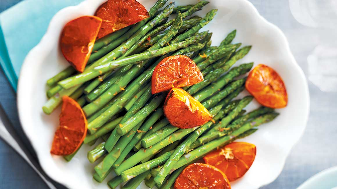 Asparagus with broiled spiced clementines