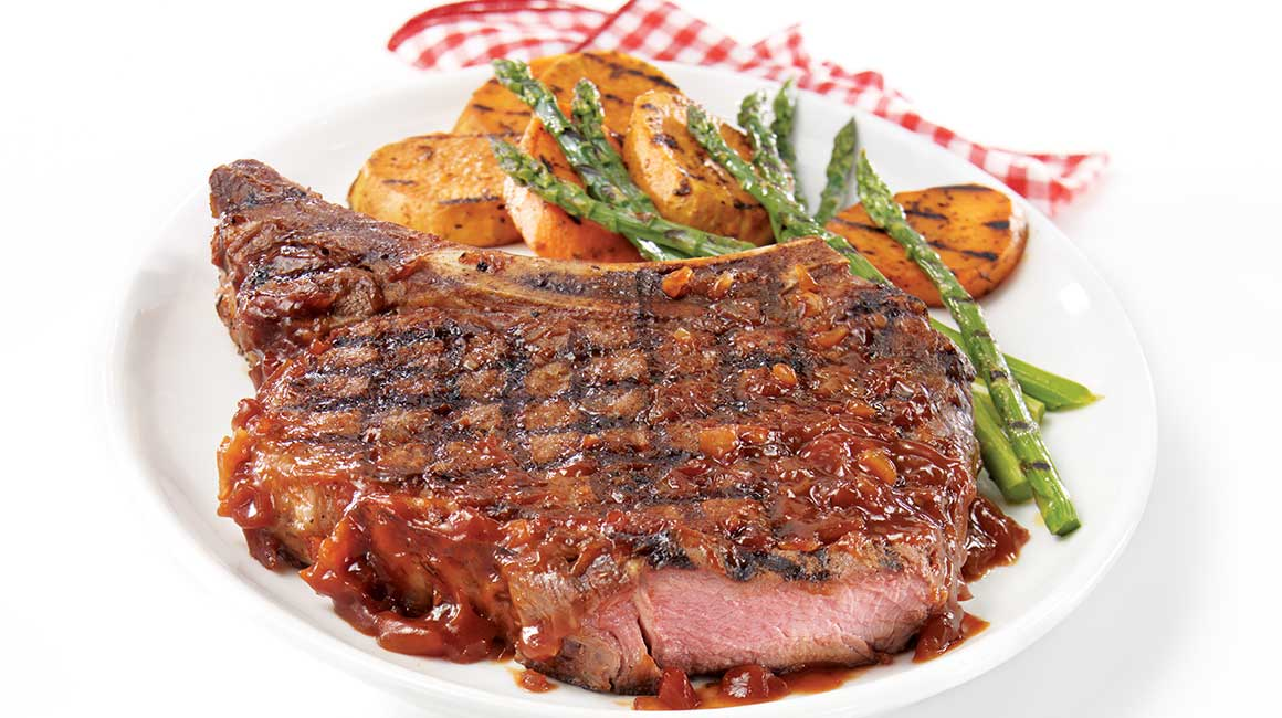 Prime rib steak with black beer barbecue sauce iga - Steak d espadon grille sauce combava ...
