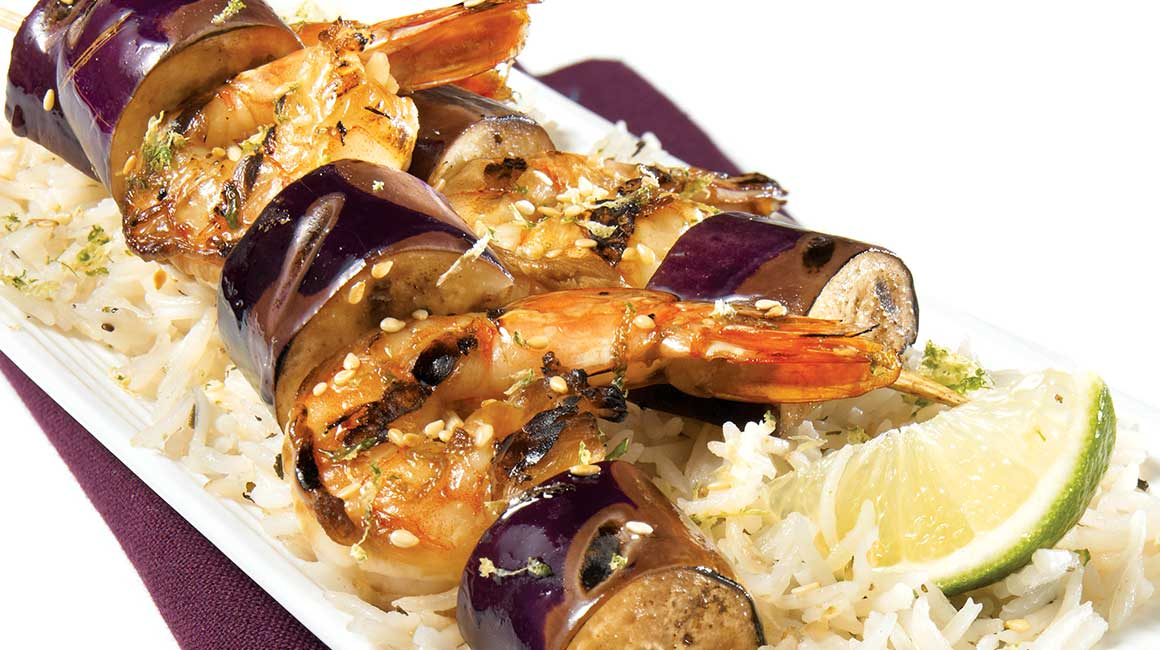 brochettes d aubergine et de crevettes laqu es recettes iga barbecue fruits de mer recette. Black Bedroom Furniture Sets. Home Design Ideas