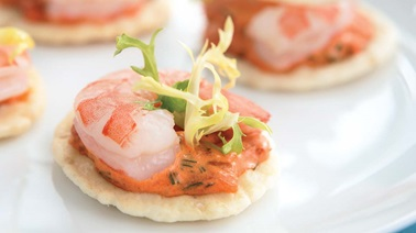 Shrimp and grilled red pepper canapés