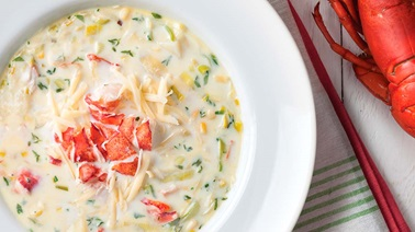 Lobster chowder with Jarlsberg