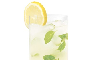 Lemon and basil cocktail
