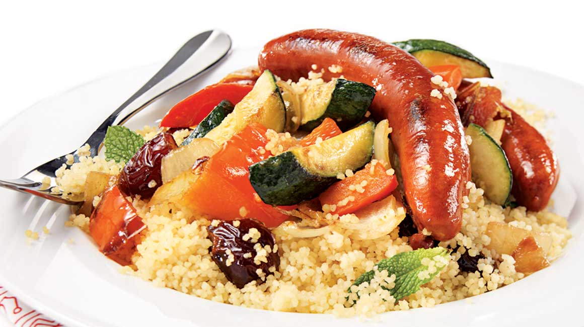 couscous aux merguez recettes iga saucisses l gumes recette facile. Black Bedroom Furniture Sets. Home Design Ideas