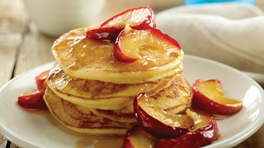 Ricotta and caramelized apple pancakes