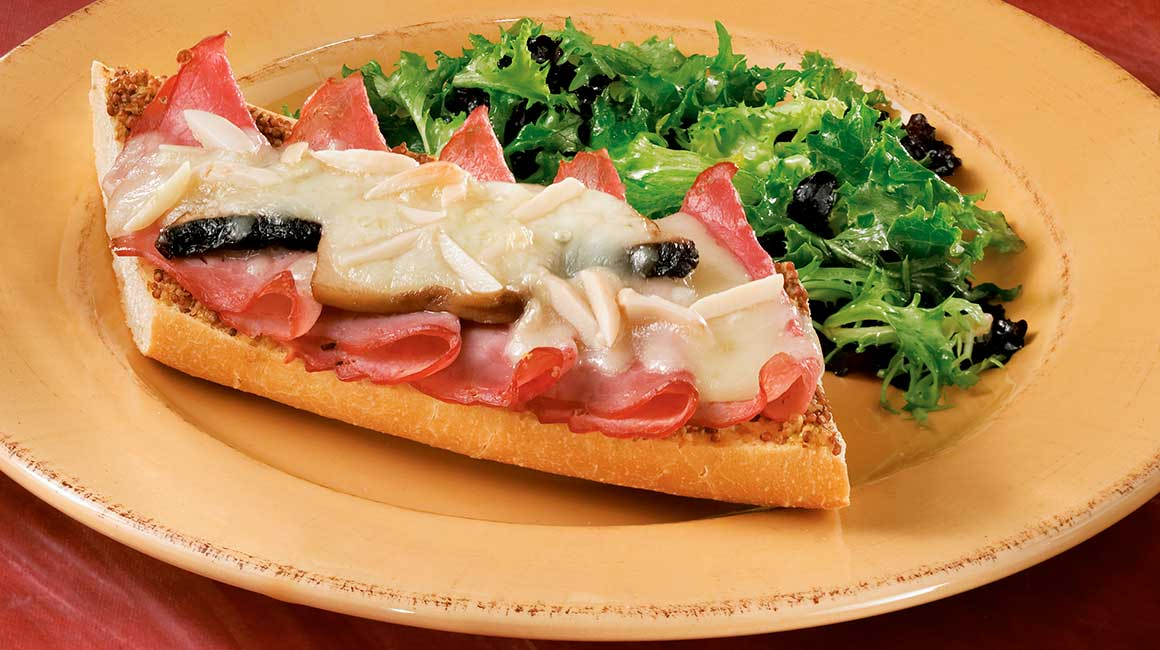 Open-faced sandwich with smoked meat and gouda | IGA Recipes