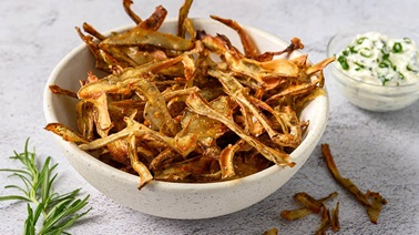 Potato skin chips - Recipe from La Tablée des Chefs