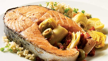 Salmon Steaks with Artichokes and Sundried Tomatoes
