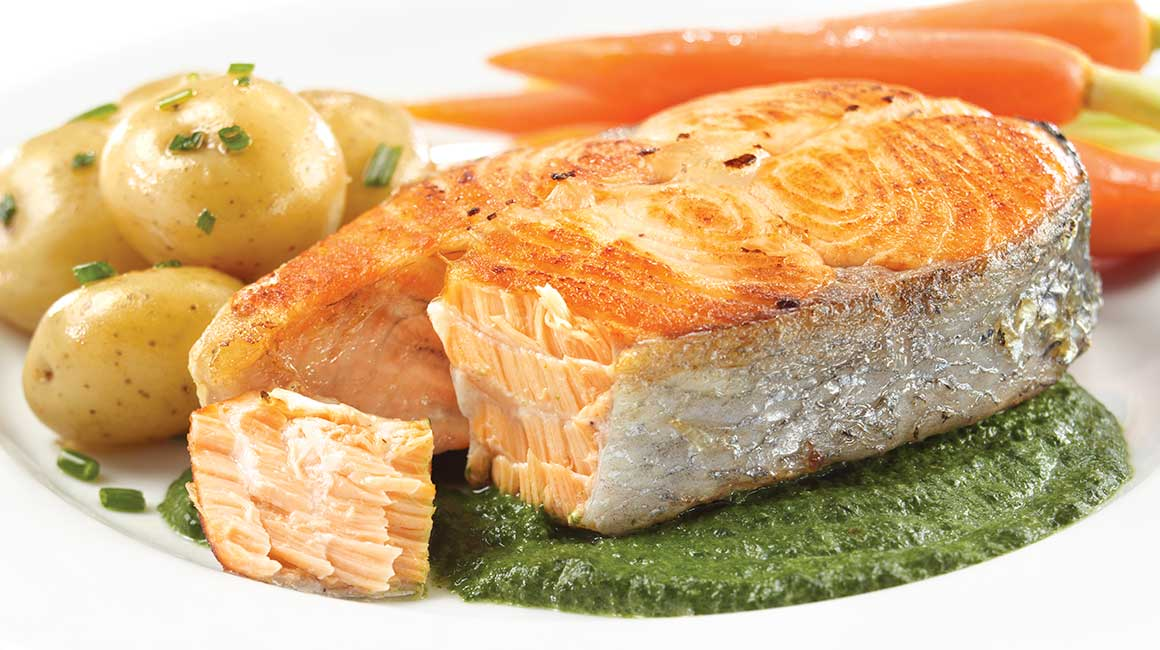 Salmon Steaks with Spinach & Garlic Sauce