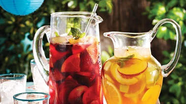 Pomegranate sangria with mint