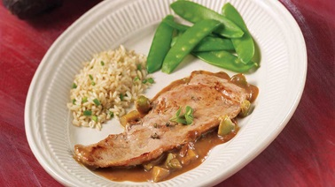 Veal Cutlets with Avocado and Green Pepper Sauce