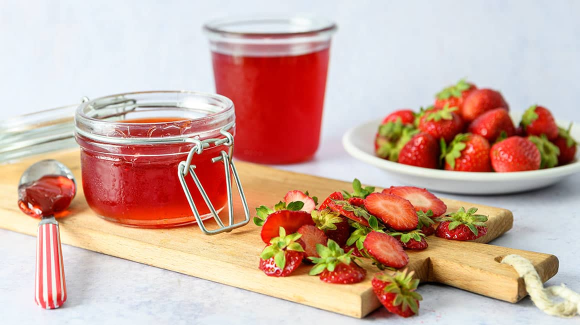 Stawberry tail jelly