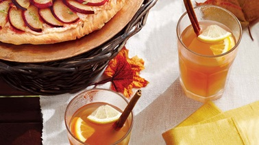 Orange-spice mulled apple cider