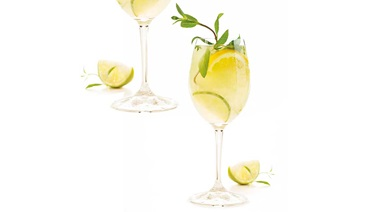 Summer stylin' - White sangria