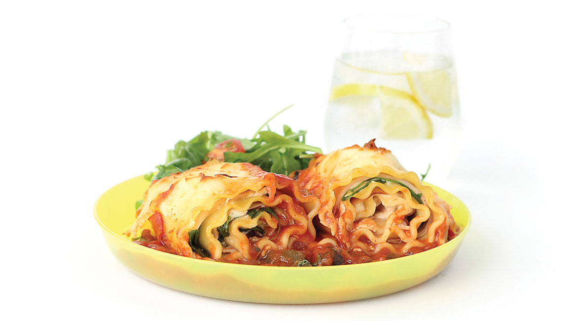 Ham, ricotta, and arugula lasagna rolls with tomato-vegetable sauce ...