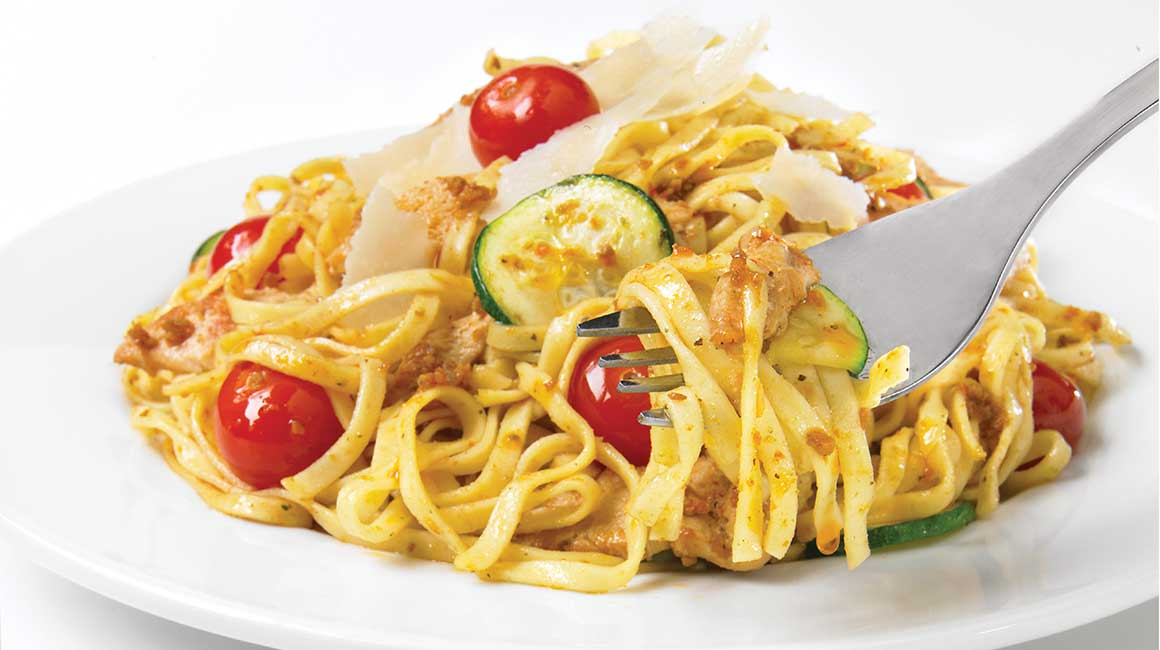 Linguine with chicken and rosso pesto
