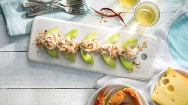 Melon with crab and Jarlsberg sauce
