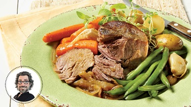 Old-fashioned slow-cooked pork blade roast from Christian Bégin
