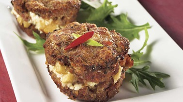 Apple, goat cheese and maple mini-meatloaves