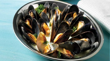 Barbecued parmesan mussels
