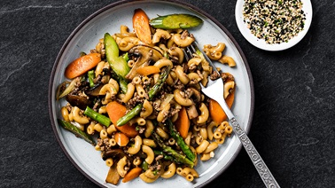 Chinese Macaroni with Carrots, Asparagus & Ginger
