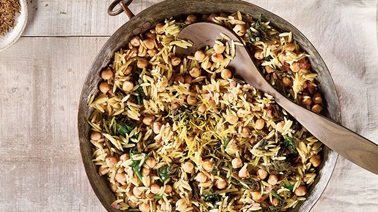 Orzo With Chickpeas, Spinach & Zaatar Seasoning