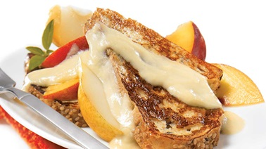 French toast topped with maple English cream