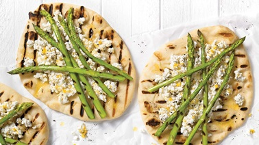 Grilled flatbread and asparagus