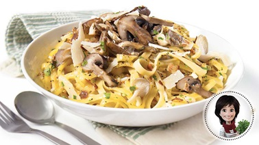 Pasta carbonara with mushrooms