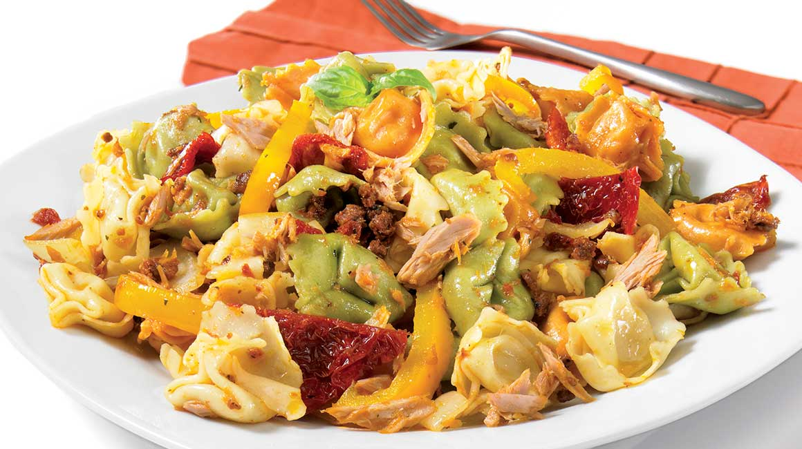 Pasta with tuna and dried tomatoes