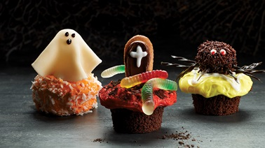 Ghostly cupcakes by Motherforlife