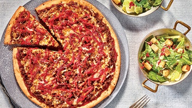 Ground Beef Pizza with Cheddar Cheese & Roasted Peppers