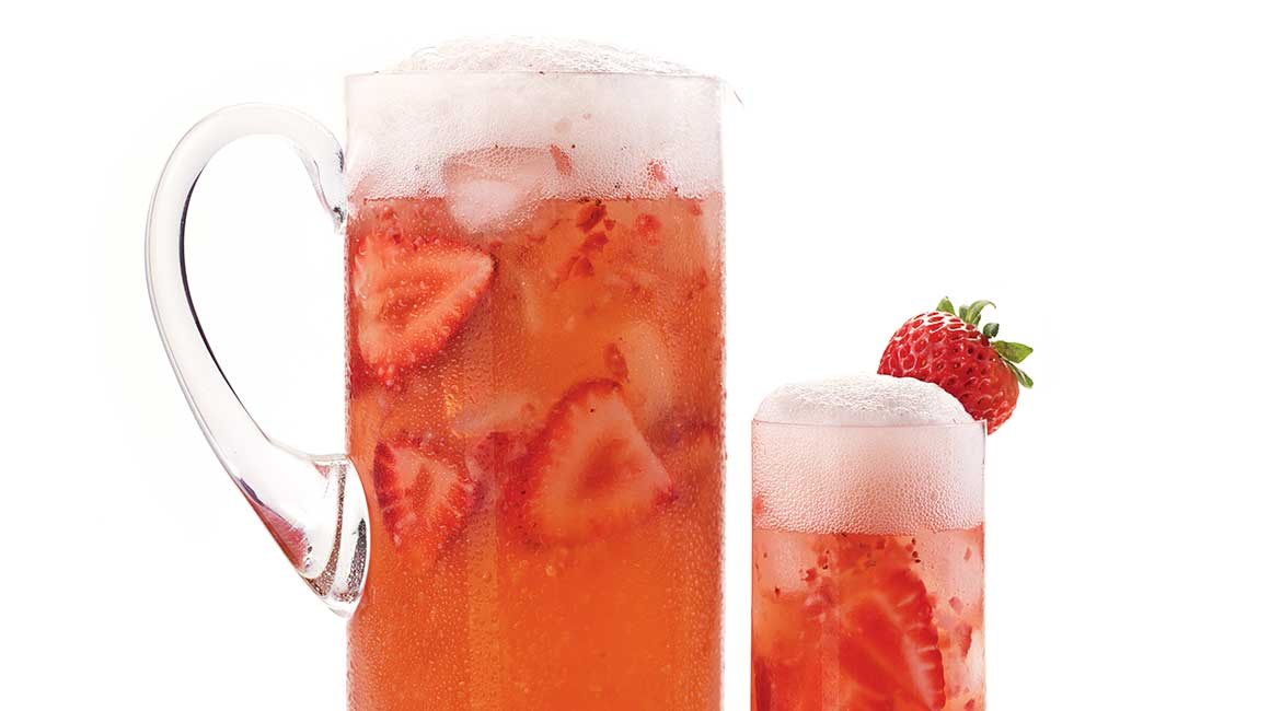 Rickard's blonde with strawberries and mango