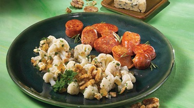 Cauliflower Salad with Blue Cheese and Walnuts