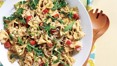 Bow tie pasta salad with arugula pesto