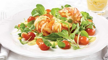 Mâche salad with lobster