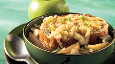 Onion-apple soup au gratin