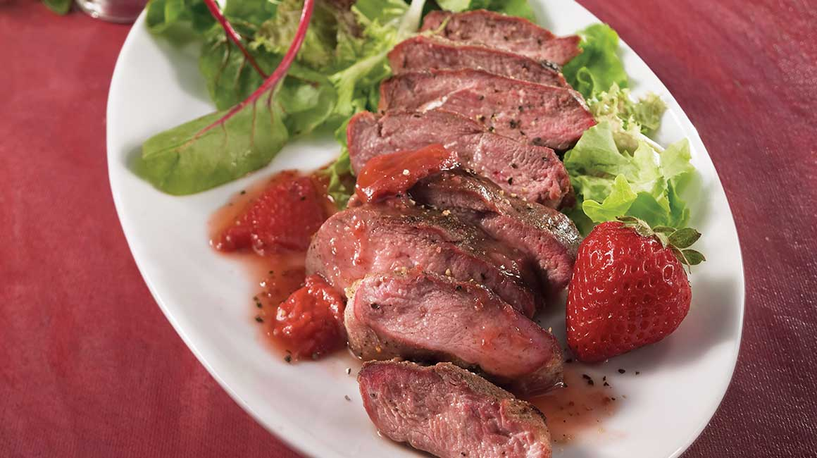 Barbecued duck breasts with strawberry sauce