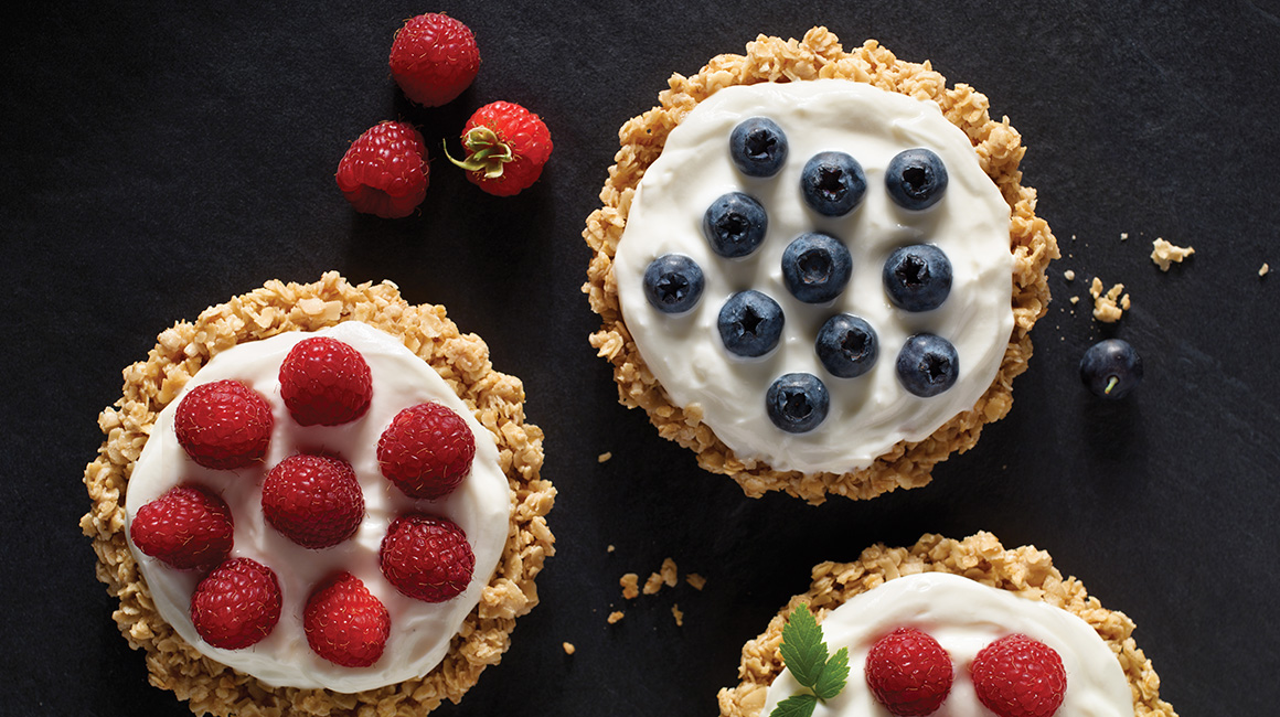 Oat Tarts with Yogurt and Quebec Berries