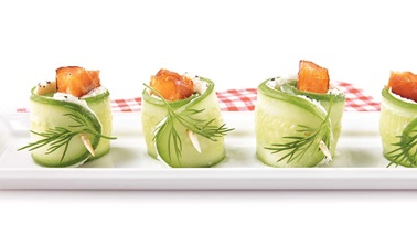 Hot smoked salmon tapas with cucumber, cream cheese and dill