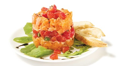 Two-salmon tartare with strawberries and basil
