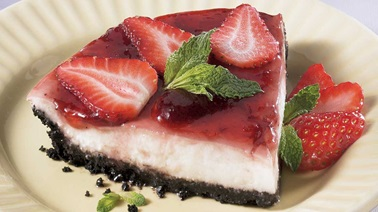 Yogurt, Ricotta and Strawberry Pie